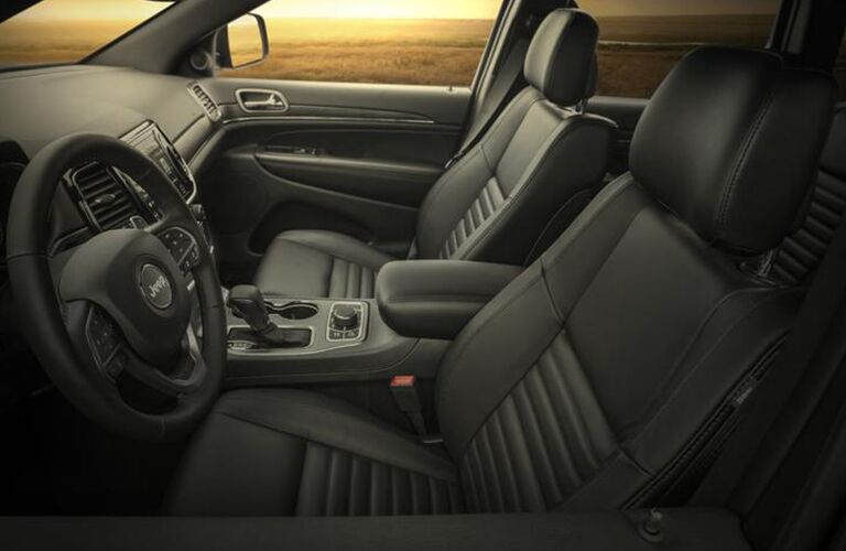 Interior view of the front row in 2020 Jeep Grand Cherokee
