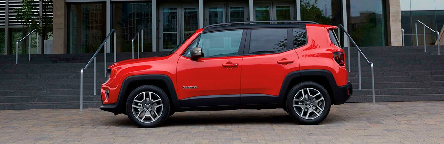 2021 Jeep Renegade parked by lobby entryway