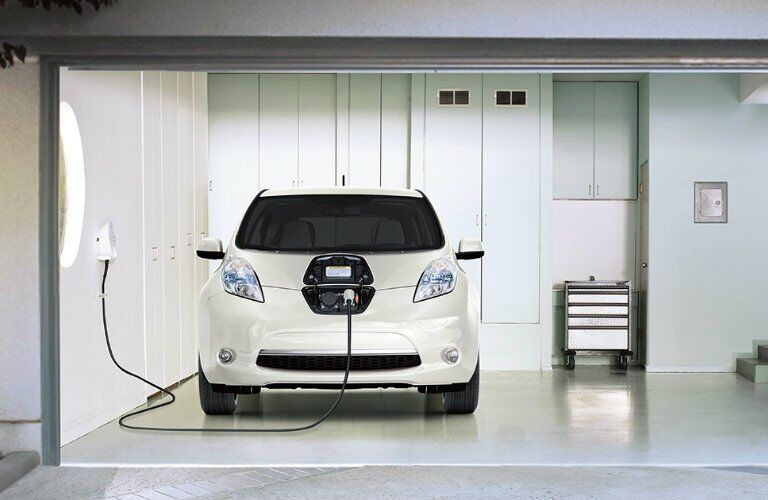 2017 Nissan LEAF tax incentives