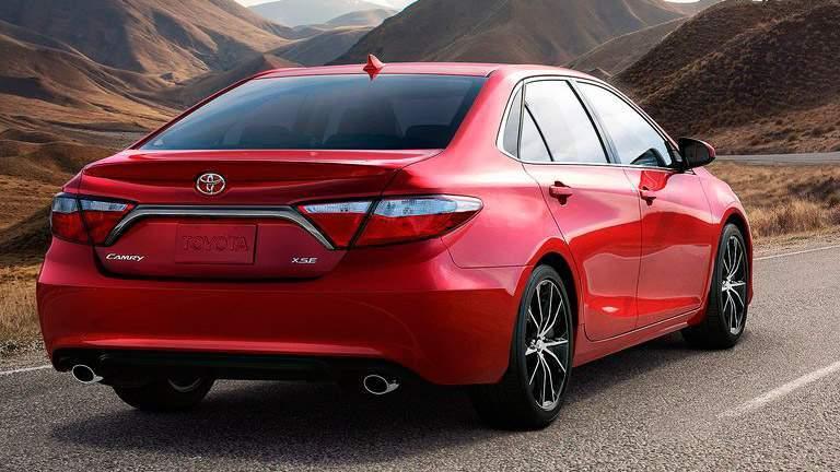 2015 Toyota Camry rear fascia