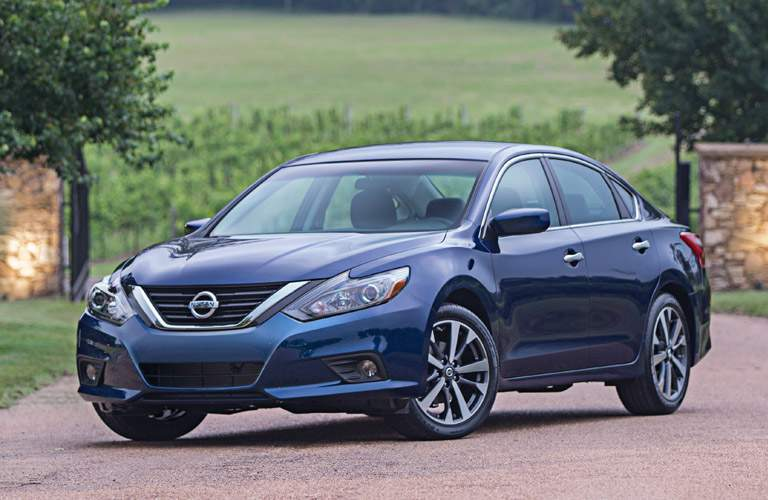 2016 Nissan Altima in blue