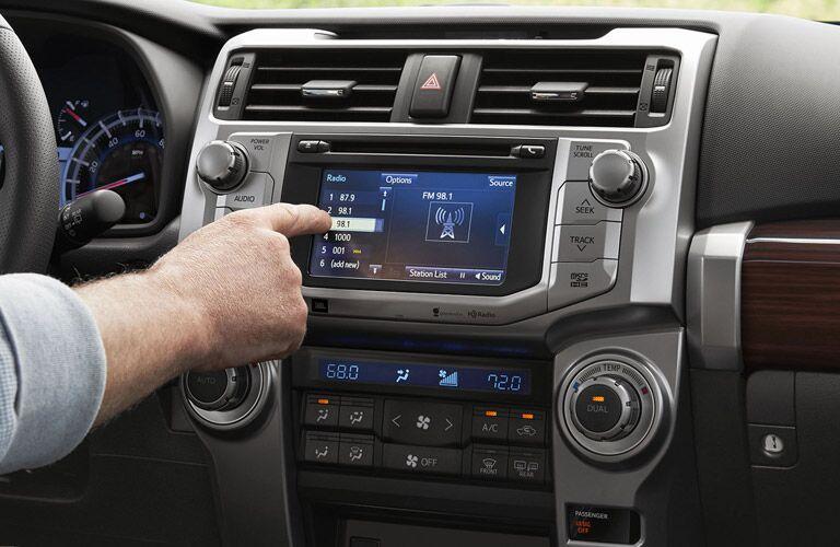 2016 Toyota 4Runner touchscreen display
