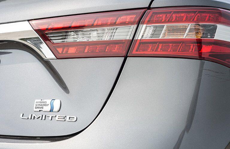 2017 Toyota Avalon Hybrid badging