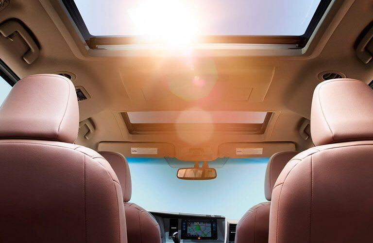 2017 Toyota Sienna sunroof