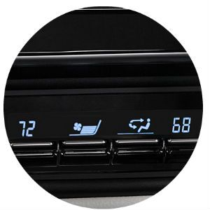 Does the Corolla iM have automatic climate control?