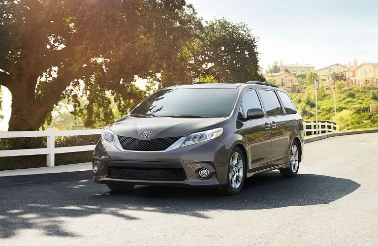 2017 Toyota Sienna front grille