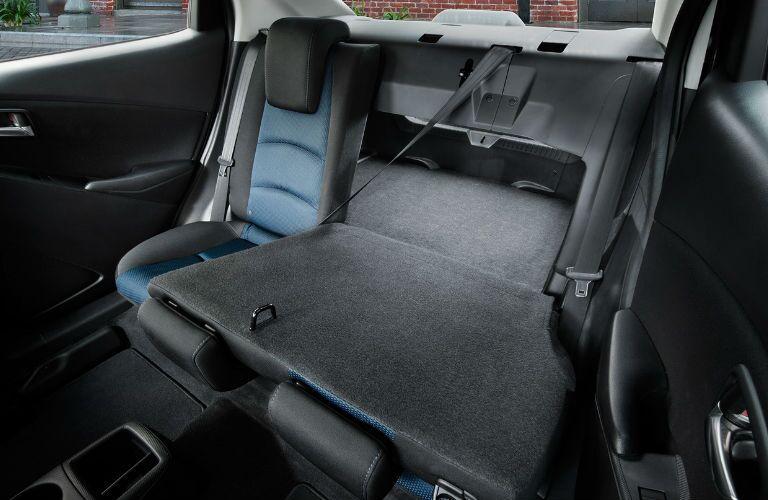 Yaris iA folding seats