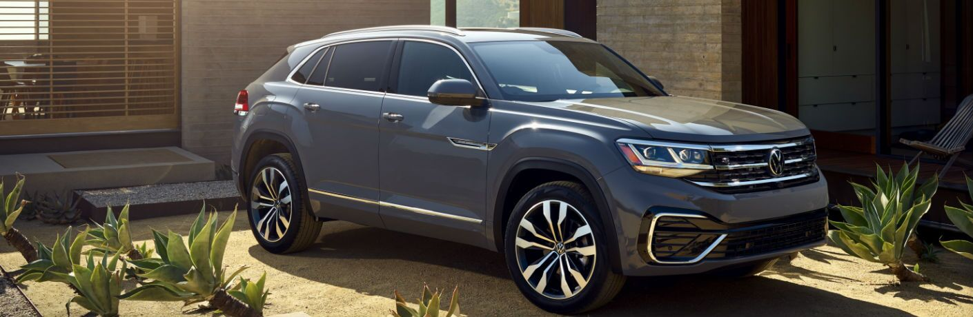 2020 Volkswagen Atlas Cross Sport front and side profile