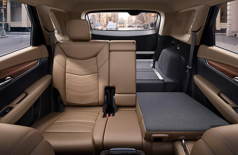 rear seats with split folding of 2018 cadillac xt5