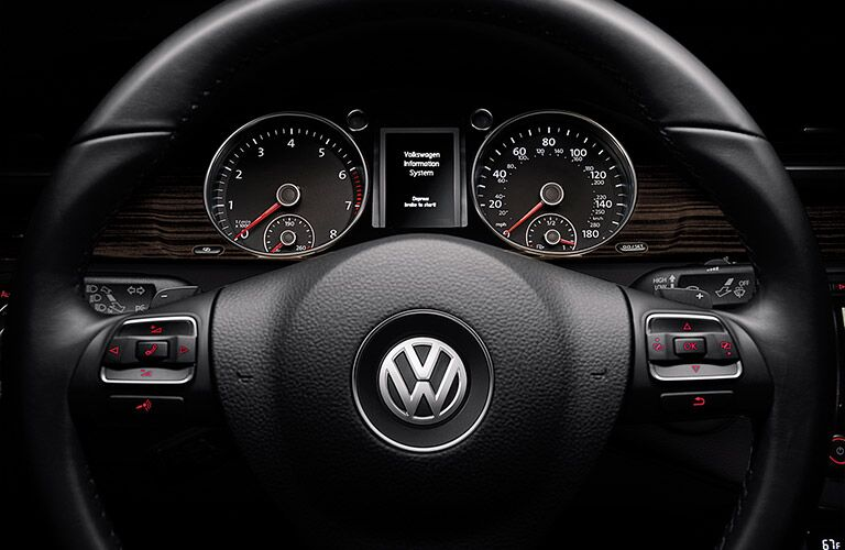2016 VW CC steering wheel_o