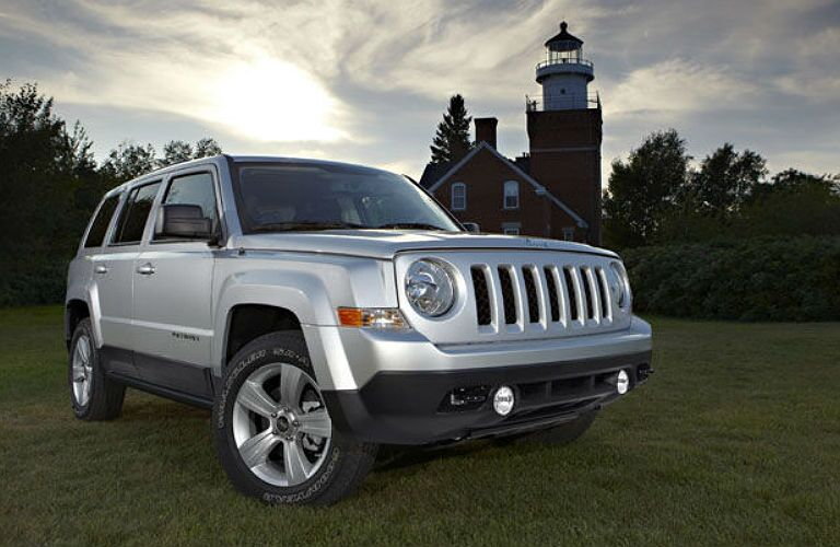 The Jeep Patriot displays a classic facade.