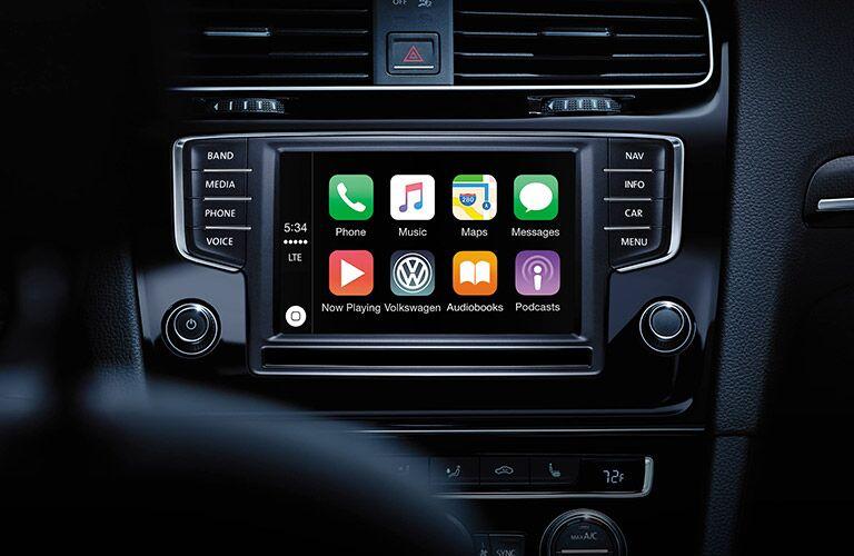 2016 Volkswagen Golf R infotainment system