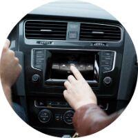 2017 Volkswagen Golf GTI infotainment system