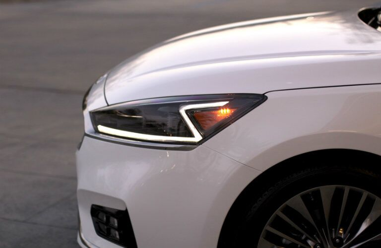 2017 Kia Cadenza new headlights