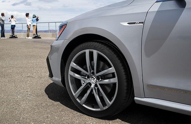 Closeup view of the 10-spoke rims of the 2019 VW Passat