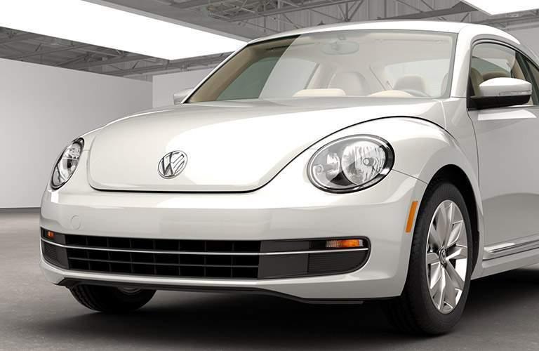 2015 Volkswagen Beetle front exterior