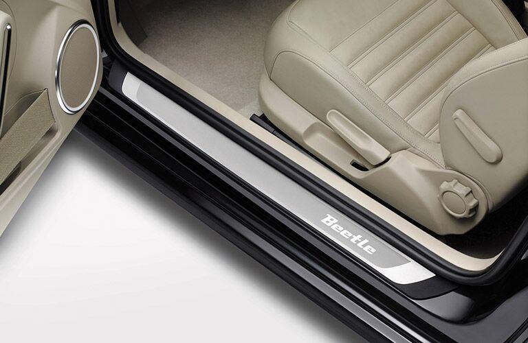 2016 volkswagen beetle door sill interior seats