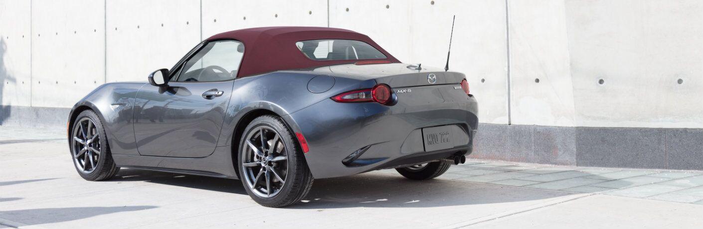 2018 Mazda MX-5 Miata exterior profile