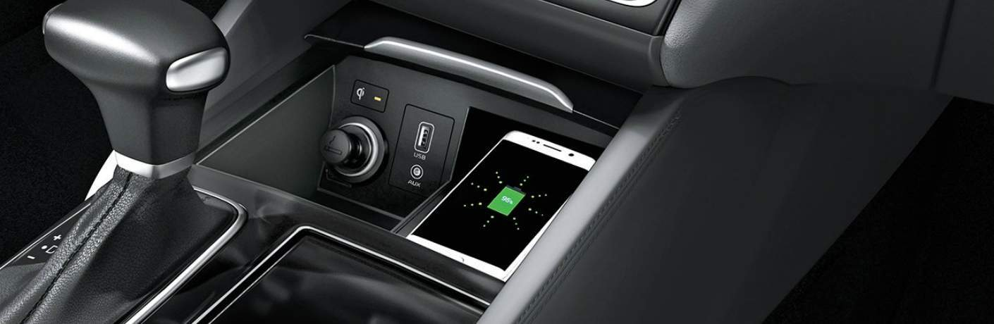 Available Wireless Charger Inside the 2018 Cadenza