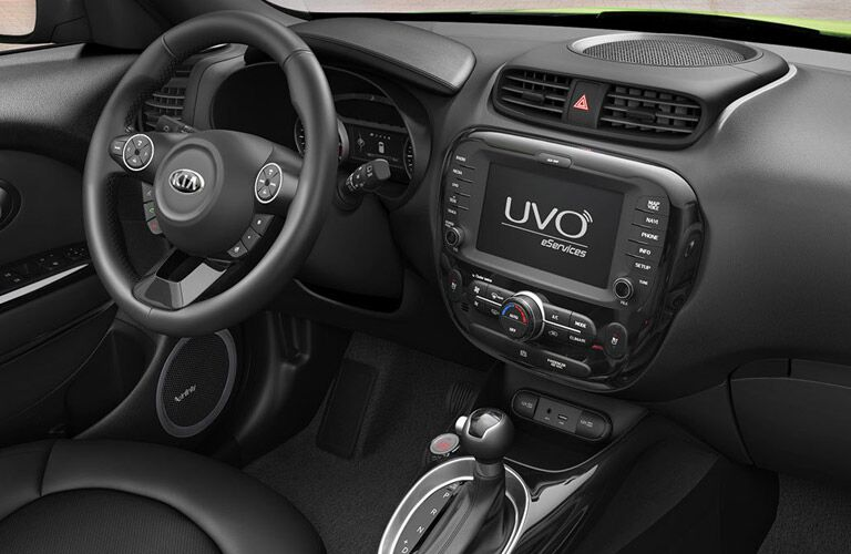 infotainment and dashboard view of the 2016 Kia Soul