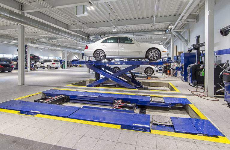 for Mercedes benz service centre