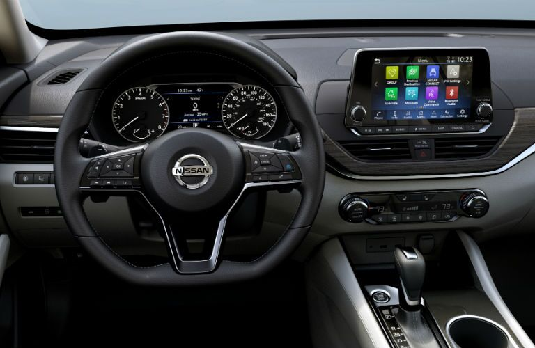 A photo of the technology used in the 2019 Altima.