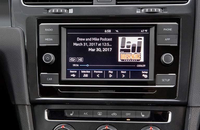 2018 Volkswagen Golf SportWagen center touchscreen display