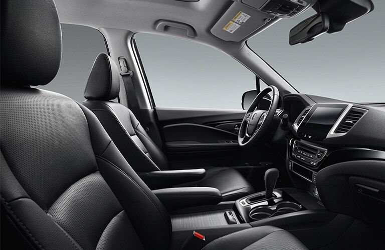 Side view of the front seats in the 2019 Honda Ridgeline