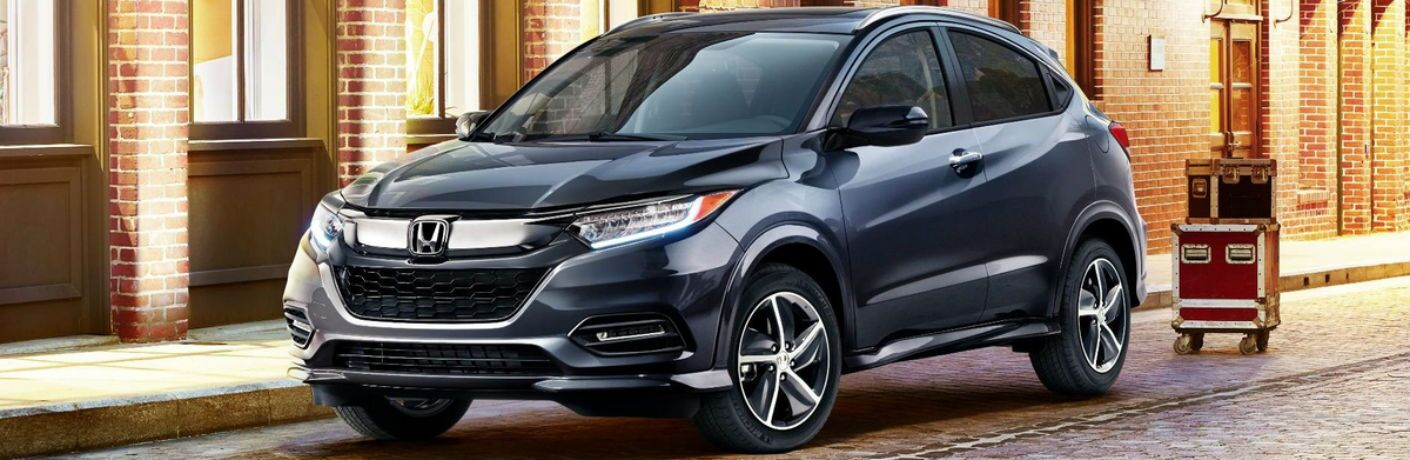 Front exterior view of a slate gray 2019 Honda HR-V