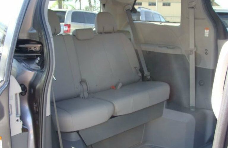 Toyota Sienna interior features