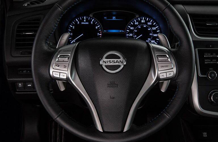 steering wheel and controls of nissan altima