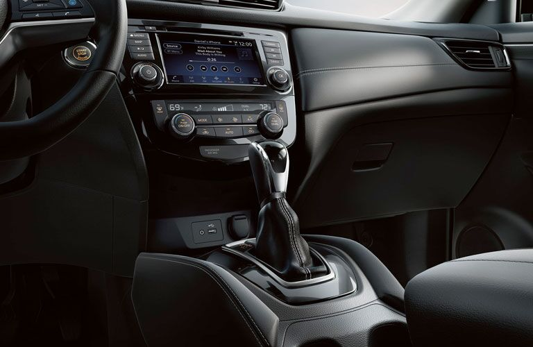 2020 Nissan Rogue center console