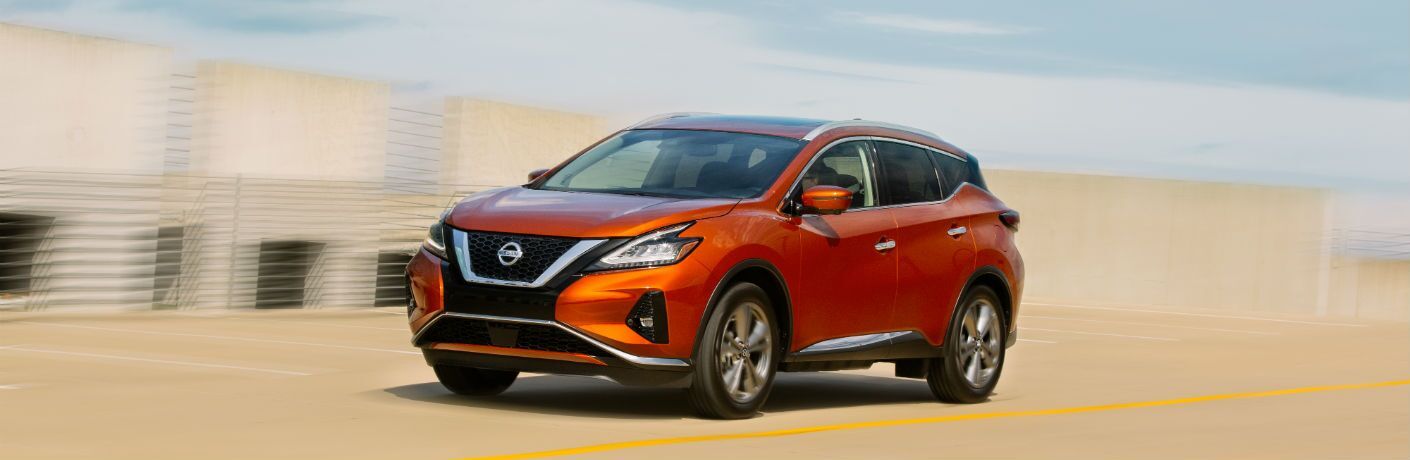 A front left quarter photo of the 2020 Nissan Murano.