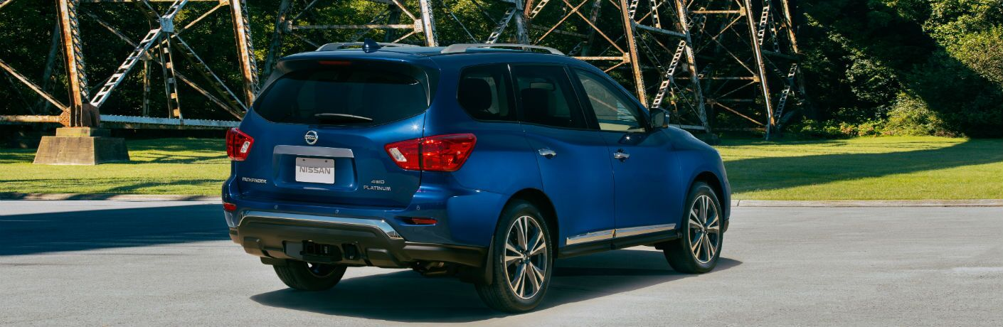 A rear right quarter photo of the 2020 Nissan Pathfinder.