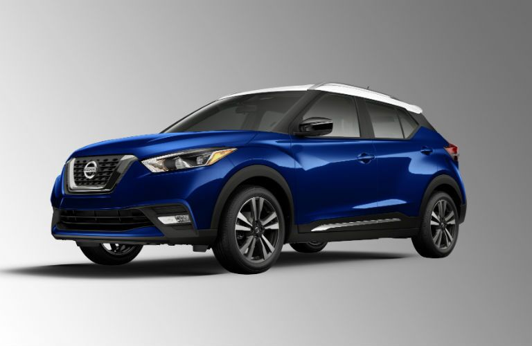 A front left quarter photo of the 2020 Nissan Kicks.