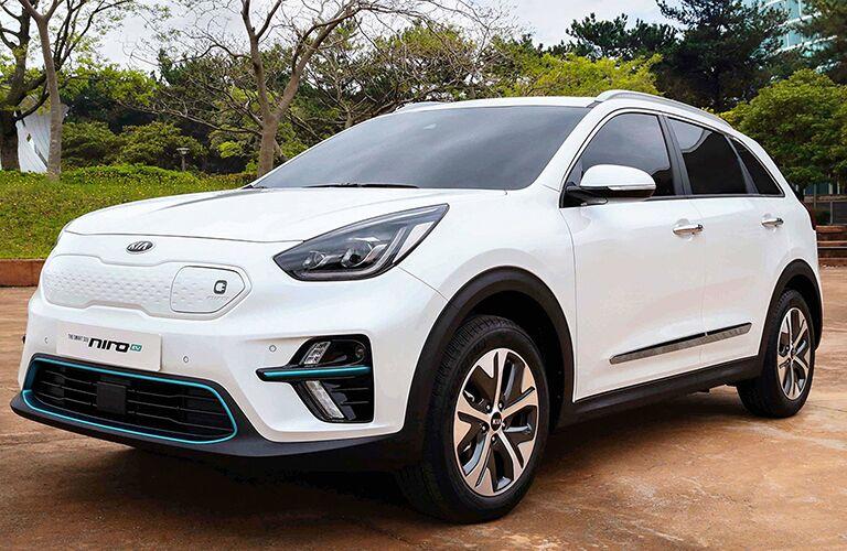 white 2019 kia niro plug-in hybrid