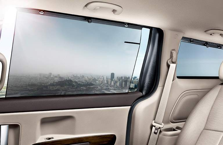 Panoramic side windows in 2017 Kia Sedona