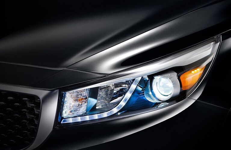 Headlights of the 2017 Kia Sedona