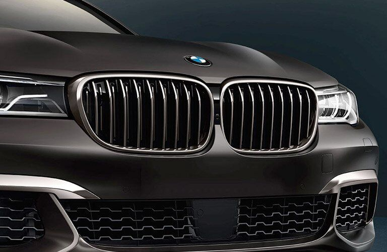 2017 BMW 7-series exterior front fascia close up