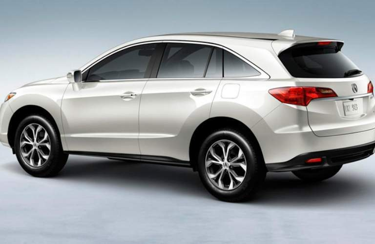 white Acura RDX side view