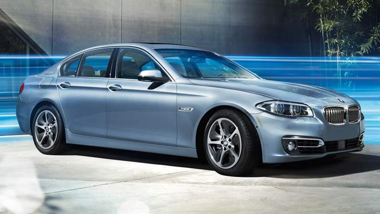 2015 BMW 5 Series exterior front fascia and passenger side