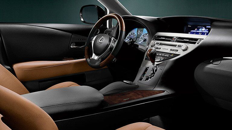 driver's seat and dashboard of the 2015 Lexus RX