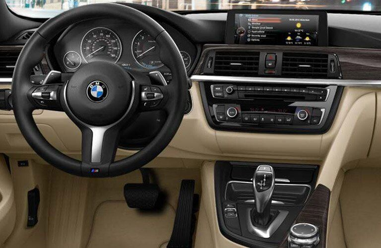steering wheel and dashboard view of the 2016 BMW 4 Series