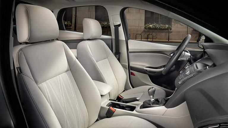 2016 Ford Focus front seats