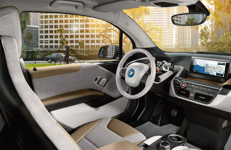 driver cockpit of the 2017 BMW i3