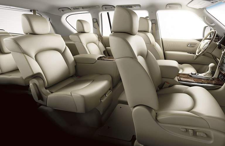 three rows of comfortable seating in the 2017 INFINITI QX80