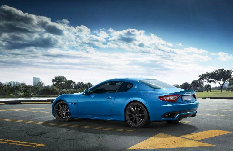 side view of a blue 2017 Maserati GranTurismo