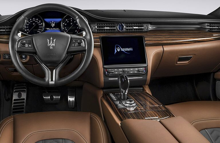 steering wheel and dashboard of the 2017 Maserati Quattroporte