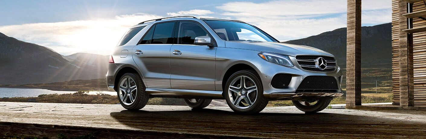 2017 Mercedes-Benz GLE350 exterior front fascia and passenger side