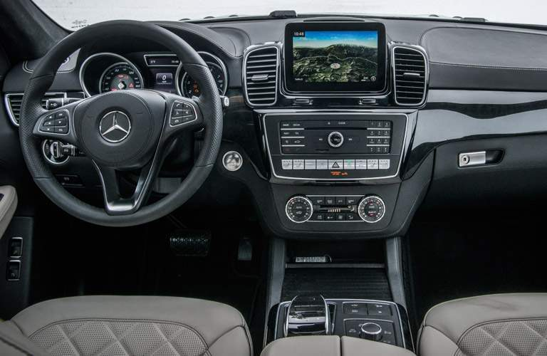 2017 Mercedes-Benz GLS Steering Wheel and COMAND Touchscreen Display